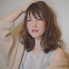 春 ガーリー パーマ ミルクティー ヘアスタイルや髪型の写真・画像