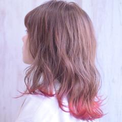 アプリコットオレンジ オレンジ ミディアム フェミニン ヘアスタイルや髪型の写真・画像
