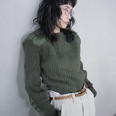 リラックス ミディアム 暗髪 グレー ヘアスタイルや髪型の写真・画像