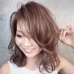 フェミニン マッシュショート マッシュウルフ ミディアム ヘアスタイルや髪型の写真・画像