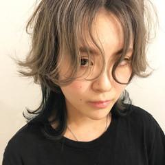 ストリート グレージュ ミディアム 外国人風カラー ヘアスタイルや髪型の写真・画像