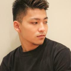 アップバング メンズ フェードカット ショート ヘアスタイルや髪型の写真・画像