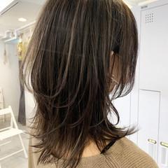 大人ハイライト セミロング 極細ハイライト ストリート ヘアスタイルや髪型の写真・画像