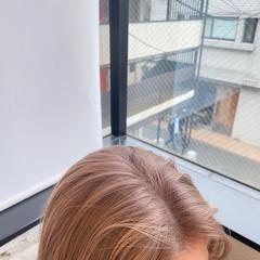 ミディアム ナチュラル ダブルカラー ベージュ ヘアスタイルや髪型の写真・画像