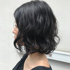 キュート 大人女子 ウェーブ ボブ ヘアスタイルや髪型の写真・画像