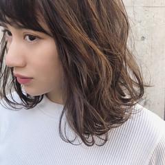 アンニュイほつれヘア パーマ デート ナチュラル ヘアスタイルや髪型の写真・画像