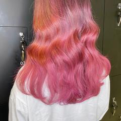 セミロング 韓国ヘア ハイトーンカラー ピンクアッシュ ヘアスタイルや髪型の写真・画像