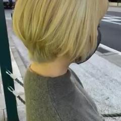 ブリーチカラー ナチュラル ホワイトブリーチ アッシュグレージュ ヘアスタイルや髪型の写真・画像