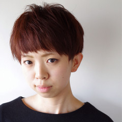 前髪あり ショート ピンク マッシュ ヘアスタイルや髪型の写真・画像