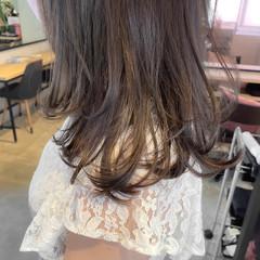 ベージュ ミディアム ゆるふわパーマ ベージュカラー ヘアスタイルや髪型の写真・画像