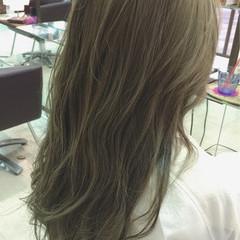 アッシュ ハイライト グラデーションカラー ガーリー ヘアスタイルや髪型の写真・画像
