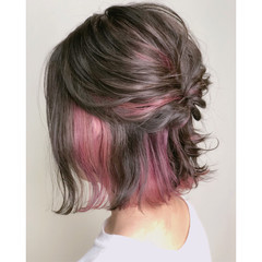 ガーリー インナーカラー ヘアアレンジ ピンク ヘアスタイルや髪型の写真・画像