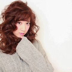 ガーリー パーマ フェミニン ニュアンス ヘアスタイルや髪型の写真・画像