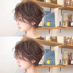パーマ 大人女子 ナチュラル ショート ヘアスタイルや髪型の写真・画像