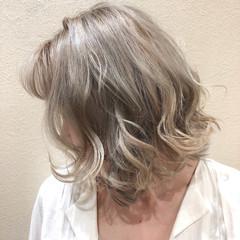 ダブルカラー ストリート イルミナカラー 透明感カラー ヘアスタイルや髪型の写真・画像