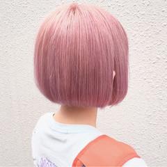 ショートボブ ピンクアッシュ ベージュ ラベンダーピンク ヘアスタイルや髪型の写真・画像