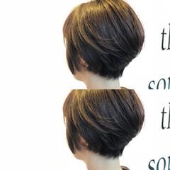 ナチュラル ショート 耳かけ ボブ ヘアスタイルや髪型の写真・画像