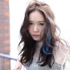 ストリート 外国人風 前髪あり グレージュ ヘアスタイルや髪型の写真・画像
