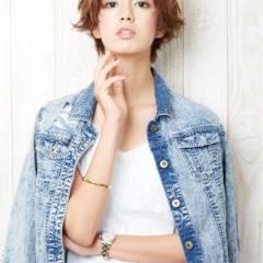 外国人風 ショート ストレート ストリート ヘアスタイルや髪型の写真・画像