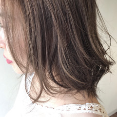バレイヤージュ ベージュ ミディアム ナチュラル ヘアスタイルや髪型の写真・画像