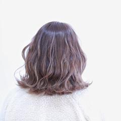アッシュ グラデーションカラー ミルクティー ボブ ヘアスタイルや髪型の写真・画像