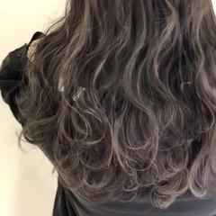 ロング ハイライト 上品 エレガント ヘアスタイルや髪型の写真・画像