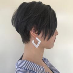 ショート モード アッシュ インナーカラー ヘアスタイルや髪型の写真・画像