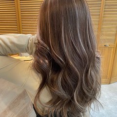 バレイヤージュ ハイライト セミロング ダブルカラー ヘアスタイルや髪型の写真・画像