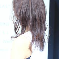 アッシュグレー アッシュグレージュ ピンクアッシュ アッシュ ヘアスタイルや髪型の写真・画像