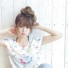 お団子 アウトドア デート 簡単ヘアアレンジ ヘアスタイルや髪型の写真・画像