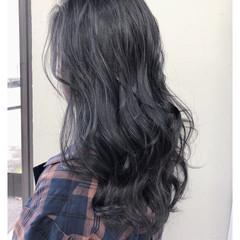 アッシュグレージュ セミロング グレーアッシュ アッシュグレー ヘアスタイルや髪型の写真・画像