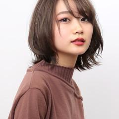 マーメイドアッシュ 艶カラー ミディアム 外ハネボブ ヘアスタイルや髪型の写真・画像