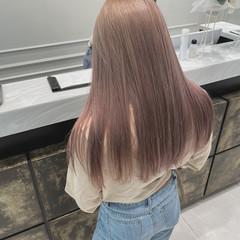 ベージュ ハイトーン ロング エレガント ヘアスタイルや髪型の写真・画像
