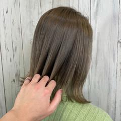 ミルクティーベージュ ベージュ 切りっぱなしボブ ボブ ヘアスタイルや髪型の写真・画像