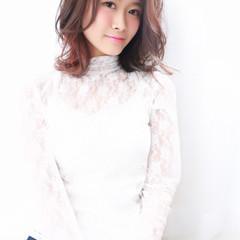 ピンク モーブ フェミニン ミディアム ヘアスタイルや髪型の写真・画像