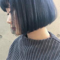 ボブ ストリート 切りっぱなし ブルー ヘアスタイルや髪型の写真・画像