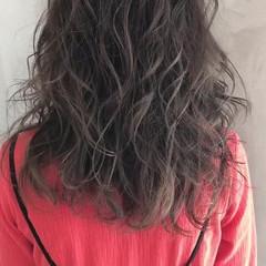 グレージュ ストリート ハイライト 極細ハイライト ヘアスタイルや髪型の写真・画像