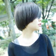 ショート ストリート ダブルカラー 丸顔 ヘアスタイルや髪型の写真・画像