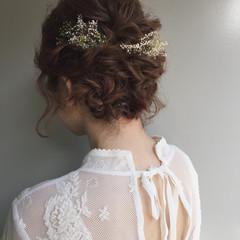 編み込み ドライフラワー ナチュラル 結婚式 ヘアスタイルや髪型の写真・画像