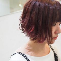 ゆるふわ インナーカラー 色気 ナチュラル ヘアスタイルや髪型の写真・画像