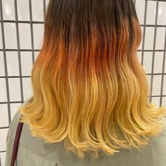 ブリーチ セミロング グラデーションカラー ナチュラル ヘアスタイルや髪型の写真・画像