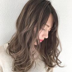 セミロング デート ハイライト 外国人風 ヘアスタイルや髪型の写真・画像