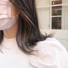ナチュラル イヤリングカラー 大人ハイライト インナーカラー ヘアスタイルや髪型の写真・画像