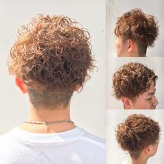 メンズ ショート パーマ ストリート ヘアスタイルや髪型の写真・画像