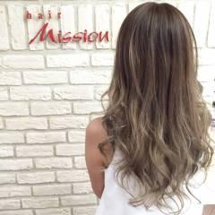 アッシュグラデーション グラデーションカラー ガーリー ロング ヘアスタイルや髪型の写真・画像