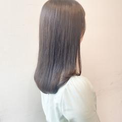 セミロング 切りっぱなしボブ オリーブベージュ オリーブグレージュ ヘアスタイルや髪型の写真・画像