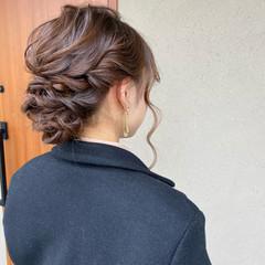 セミロング ヘアセット シニヨン ふわふわヘアアレンジ ヘアスタイルや髪型の写真・画像