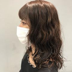 デジタルパーマ 透明感カラー ナチュラル 波ウェーブ ヘアスタイルや髪型の写真・画像