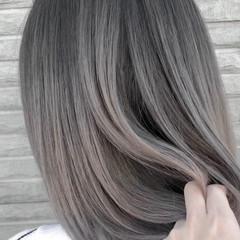 グレージュ アッシュベージュ ミディアム シルバーアッシュ ヘアスタイルや髪型の写真・画像