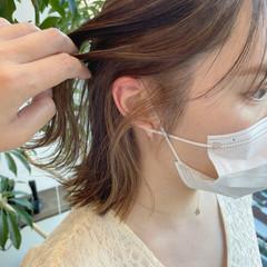イヤリングカラー インナーカラー ナチュラル イヤリングカラーベージュ ヘアスタイルや髪型の写真・画像